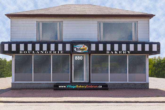 Village-Bakery-Embrun store front